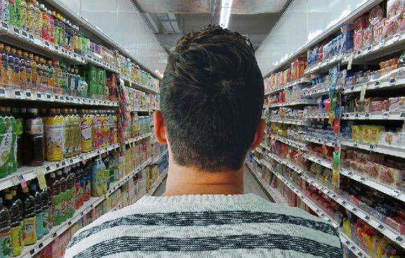 Impost als envasos plàstics no reutilitzables: un revés per a la indústria i per a la butxaca del consumidor