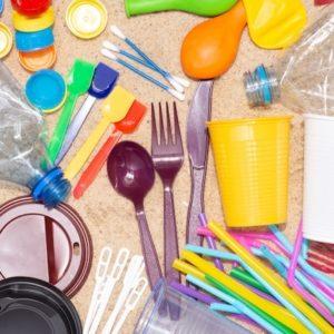 3 de juliol – Entra en vigor  la Directiva del Plàstic d'un sol ús